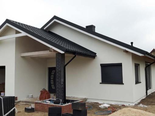 Mały biały domek